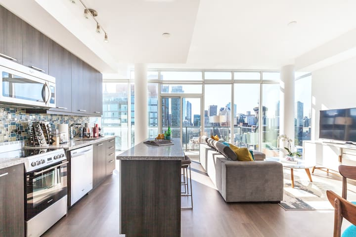 Walk to St. Lawrence Market from a Luxury Penthouse Condominium