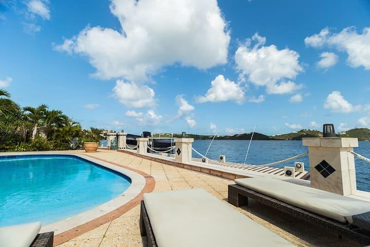 Villa w Boat Dock- Pointe Pirouette Villa Azules - Lowlands - Villa
