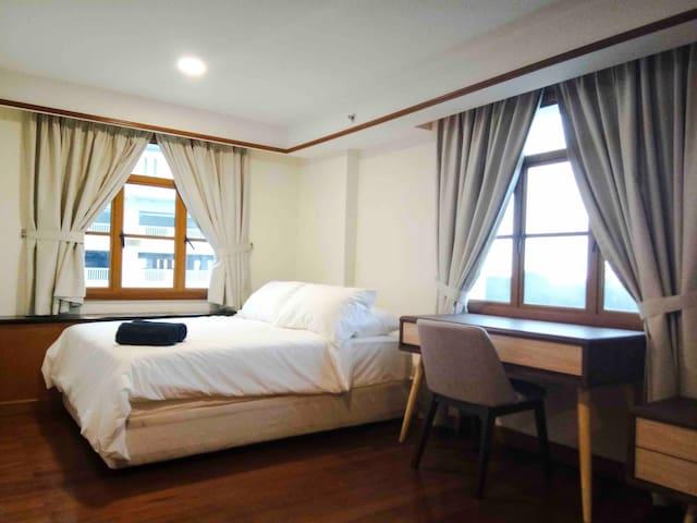 Interior View: Queen Bed