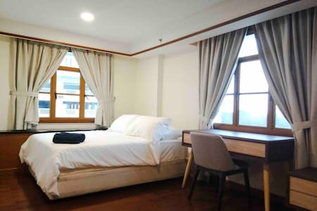 Lexis Port Dickson Airplan Suite 3 - Up to 5 Pax