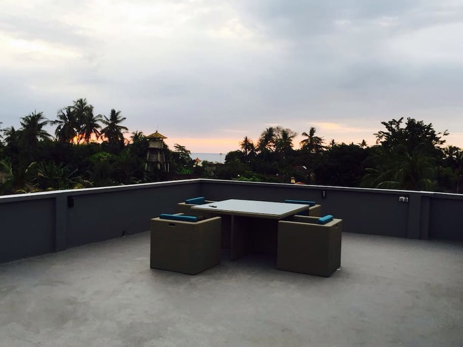 Enjoy sunset from our rooftop terrace with sea view in the heart of Lovina Beach