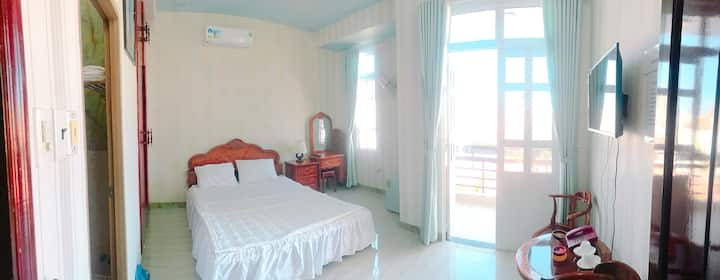 ThanhHa4_Big Balcony Room 5mins to Bai Sau Beach