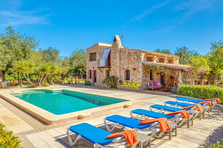 "Mediterranean Villa ""Can Rosillo"" with Wi-Fi, Garden, Terraces and Pool; Parking Available"