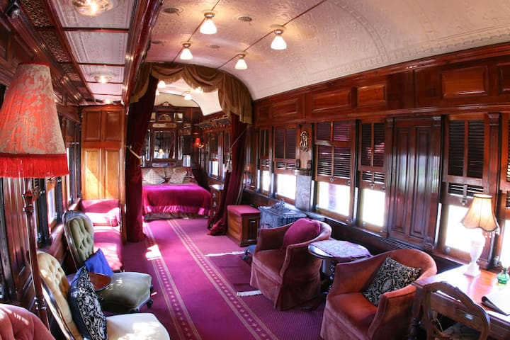 Ruwenzori Retreat: Orient Express train stay