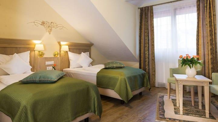 Hotel Rebstock, (Baden-Baden), Comfort Zweibettzimmer