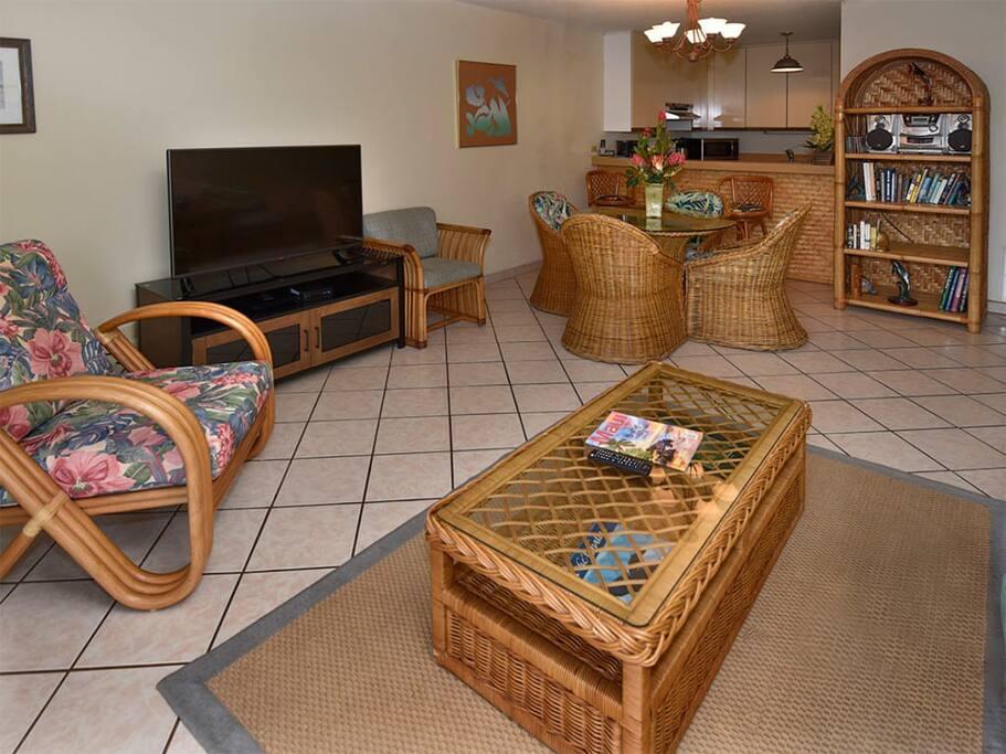 kamaole_sands_1std_8210_livingroom1.jpg