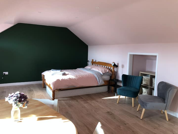 Studio, walking distance from The Eden Project