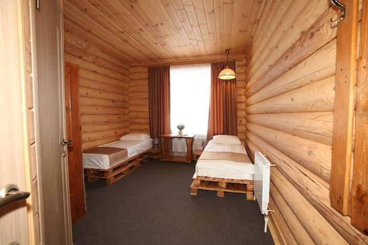 Уютный деревянный дом в лесу - Leninskiy
