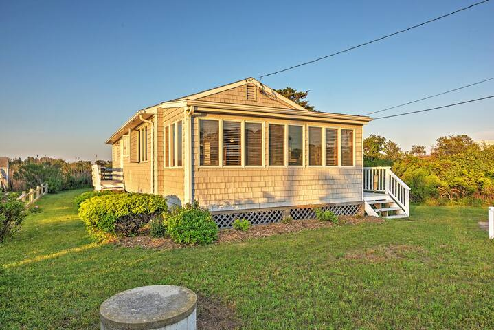 Quaint 3BR Charlestown Cottage Near Beach!