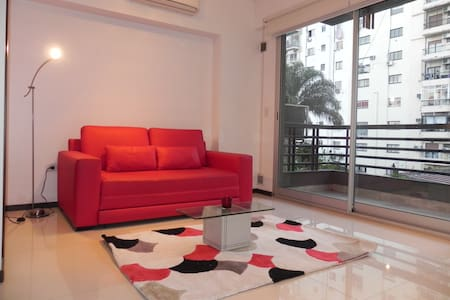 Piscina, moderno y luminoso Apartamento