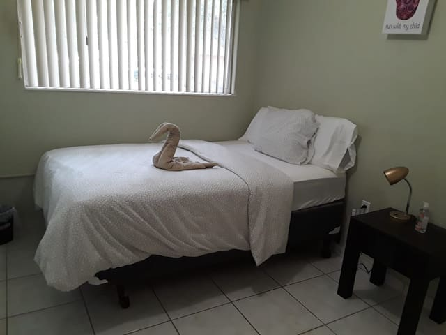 Perfect location to stay in Miami- Larkin hospital