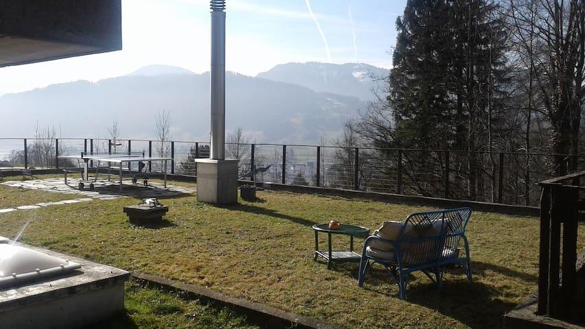 Maison de 160 m2 dans un havre de paix en Suisse - Unterägeri - Casa