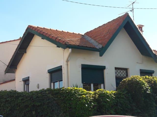 maison 100m plage avec jardin et table extérieure - Canet-en-Roussillon - Haus