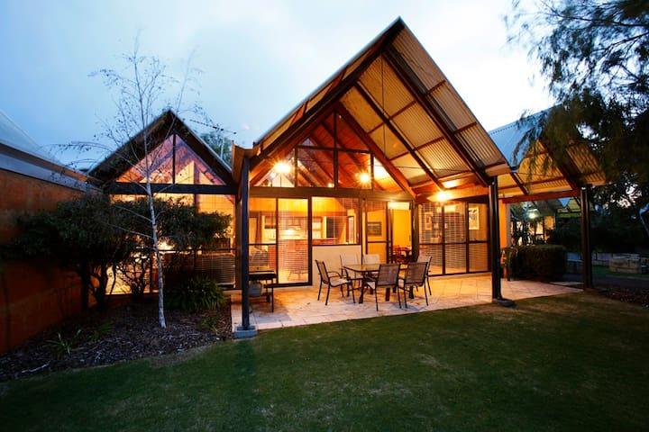 Whalers Cove Villas - Villa William Tell - Dunsborough - Willa