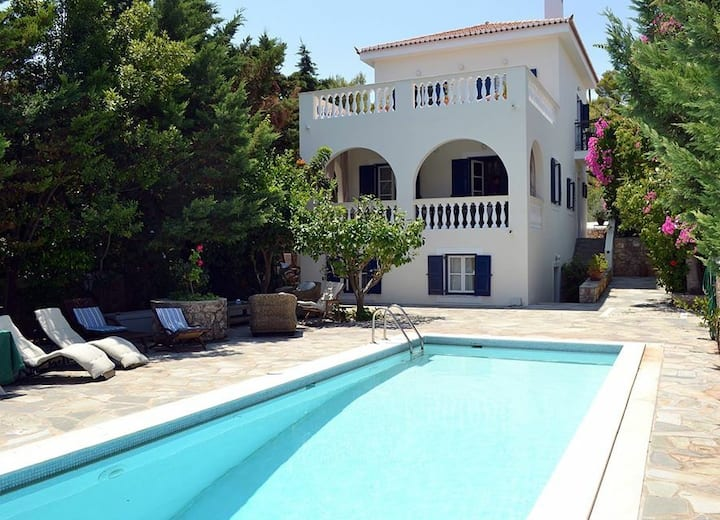 Lux Villa-Spetses with pool-Sea view-very quiet