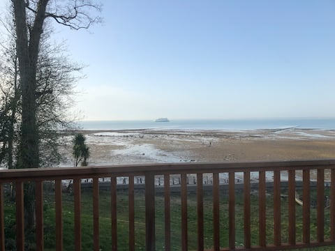 Beach side property with direct accesss to beach