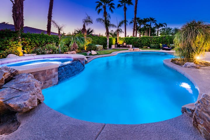 Modern & Professionally Managed Home w/Pool & Spa! - Indio - Casa