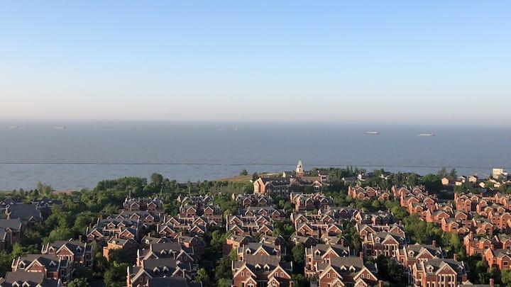 高速.云水湾,湖景房,大阳台,观日出见夕阳,碧波巢湖一揽无余,健身喝茶读书,臻享美好时光。