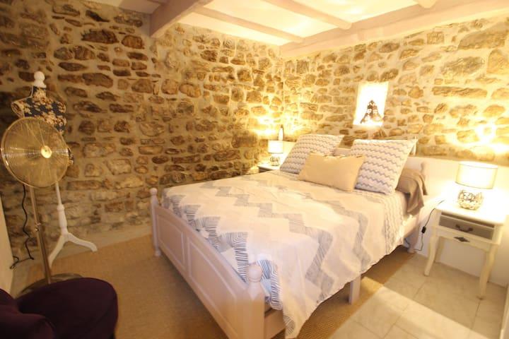 Centre de Roquebrune sur Argens,  appt 4 personnes