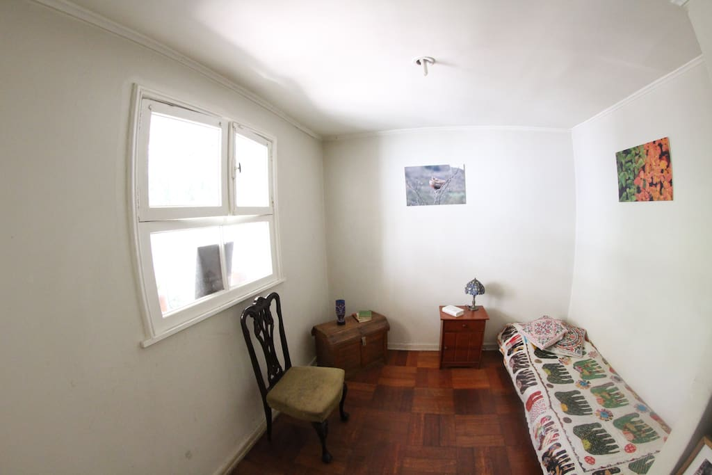 Grata y silenciosa habitación con baño particular