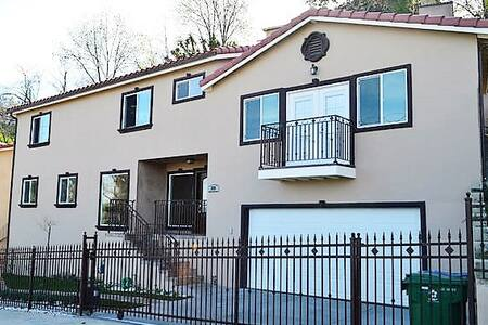 Brand New House only minutes From DTLA!! - Los Angeles - Huis