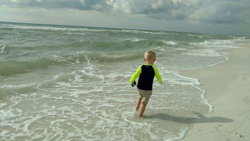 NEW LISTING!! Seaside Haven- Navarre Beach, FL