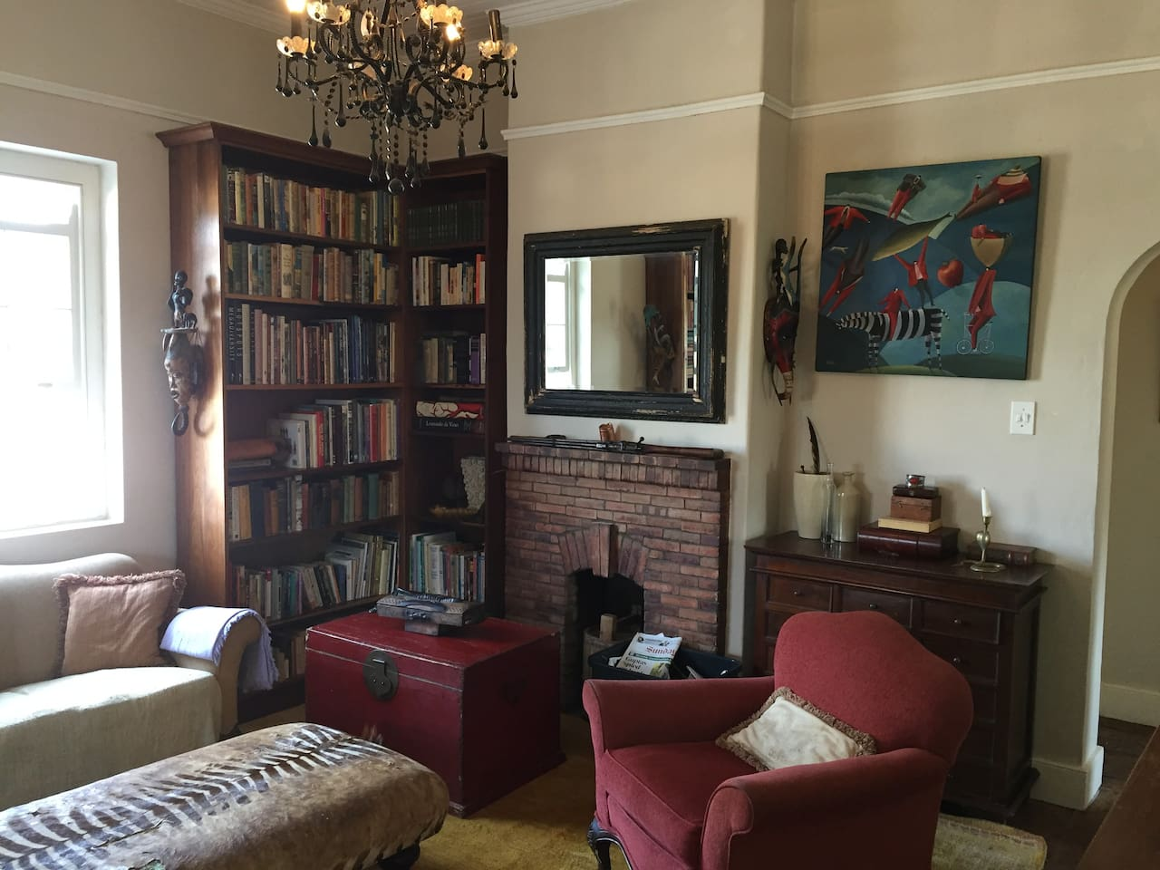 extensive book collection and cozy sitting room , lounge