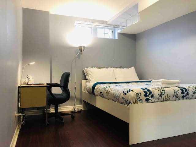 YorkU village room with private washroom