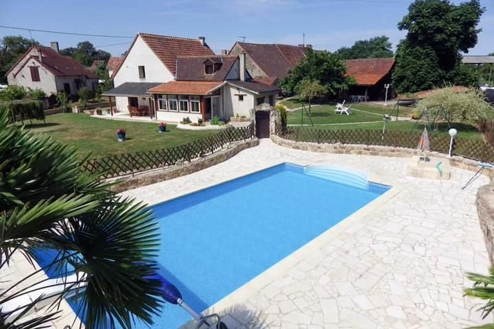 Maison Imladris - house with pool