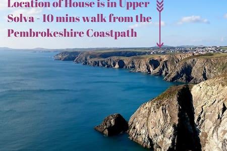 Upper Solva House near Pembrokeshire Coast Path - Solva - Rumah