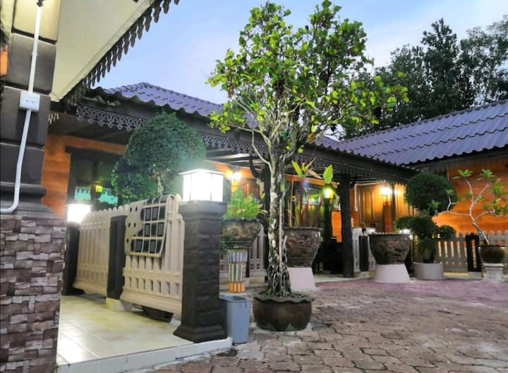 ROOMSTAY RANTAU PANJANG(D'VILLA HAS'NOR)