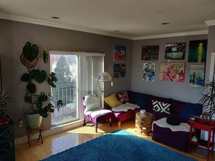 Bedroom in a boho apartment w/ private bath