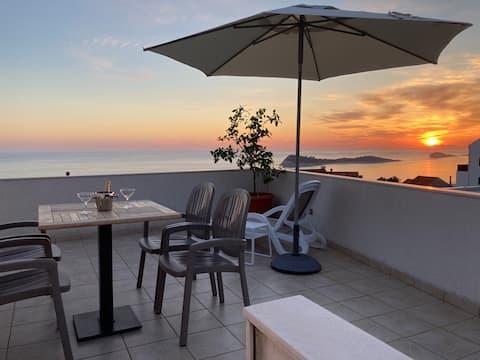 Daire Marko güzel Deniz manzarası ve sessiz bir yer