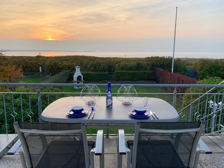 Ferienhaus 1. Linie mit Meerblick und Strandzugang