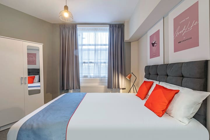 OYO Apollo Bayswater, Deluxe Double Room