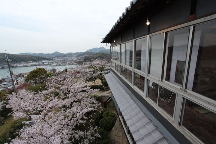 Trad Jpn Room w/a view of Onomichi channel (藤) - Onomichi - 別荘