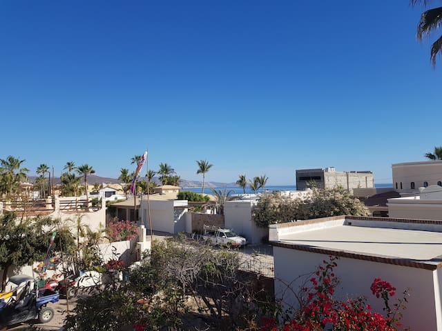 Relaxed Baja home, 1 block from the beach!