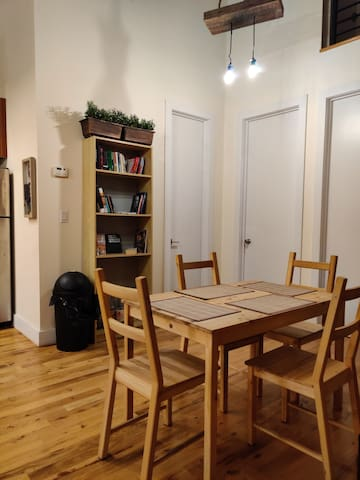 Cozy locked private room! 2BATHS,25 MIN TO NYC