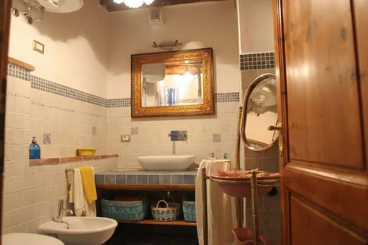 Appartamento nelle Crete Senesi - Chiusure - Dom