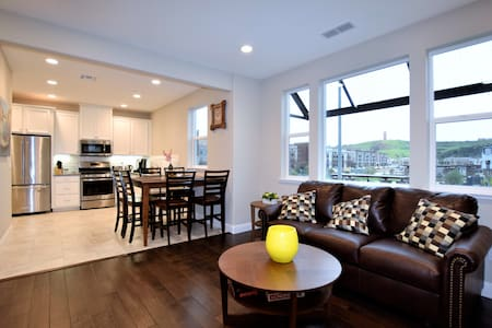 Home Away From Home! Great New 2bd Townhouse - San Jose