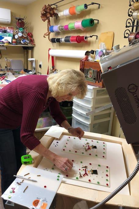 Adding items to the kiln