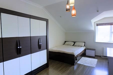 Spacious Studio Apartment in the City Center/80m2/ - อูลานบาตาร์
