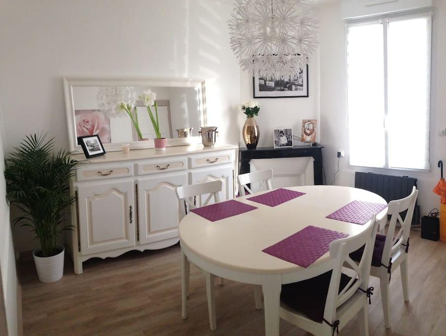 appart cosy tr s bien situ appartements louer reims champagne ardenne france. Black Bedroom Furniture Sets. Home Design Ideas