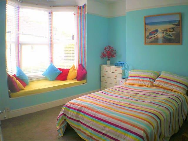 Cornwall House Ensuite Bedroom (BED NO BREAKFAST)