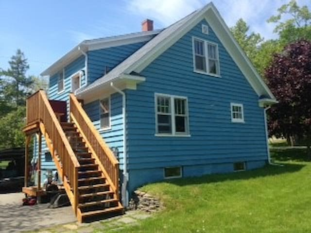 SECOND room for rent in St. Andrews, NB.