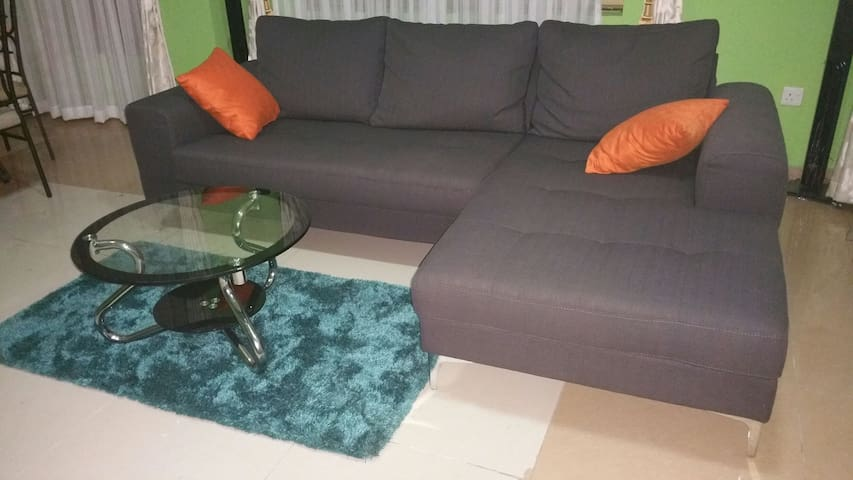 Charming Serenity and Comfort - Accra  - Apartment