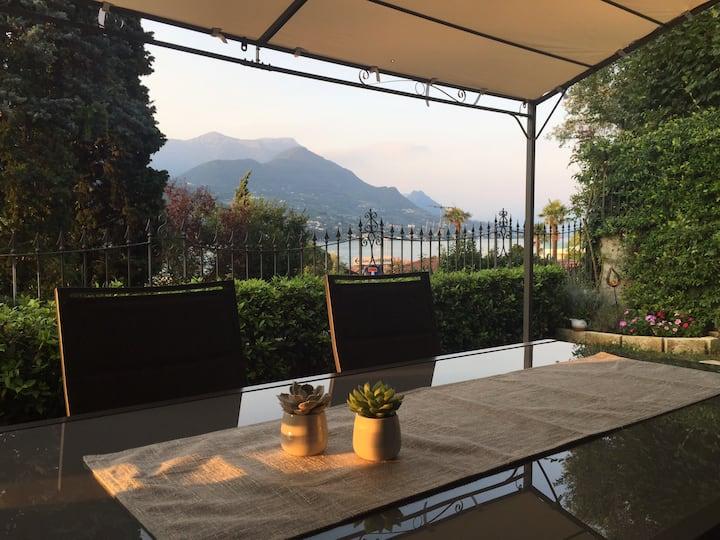 Balcone Fiorito sul Garda:Giardino esclusivo Wi-Fi