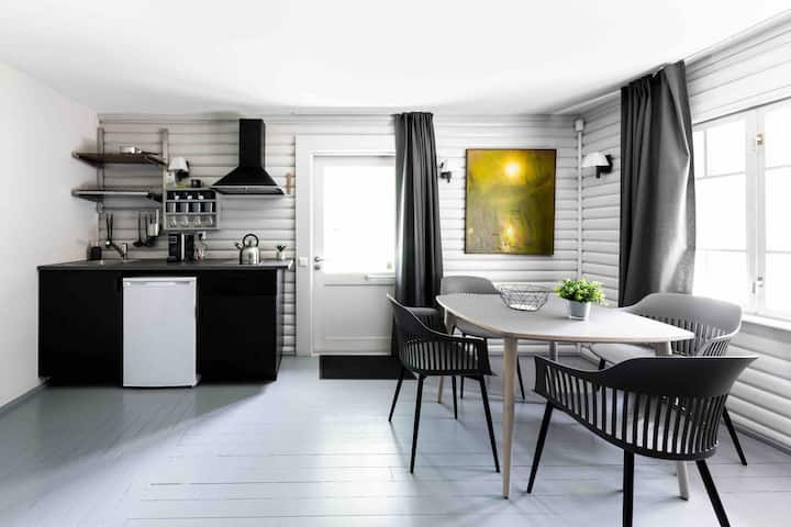 Upmalas rezidence / Riverside residence