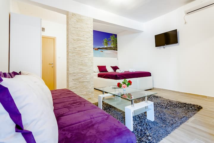 COME and SEE for yourself! THE BEST LUX apartment