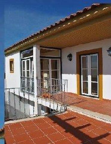 Sunny House In Golegã Near Fátima - Golegã - Talo